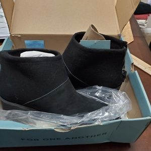 Tom's ankle boots